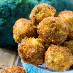 Broccoli Cheese Balls are crispy on the outside with 3 kinds of gooey melted cheese and fresh broccoli on the inside. Make a great appetizer! Veggie Dishes, Veggie Recipes, Cooking Recipes, Fried Broccoli, Broccoli And Cheese, Fried Mac And Cheese, Colby Cheese, Air Fried Food, Snacks Für Party