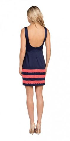 Navy and Coral. I love this. If not for bridesmaids then for myself :)