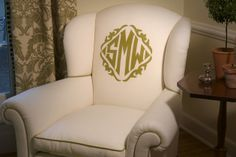 monogrammed easy chairs - white upholstered chair with green monogram and contrast piping - Brenda Kelly Kramer via Atticmag My Living Room, Interior Design Living Room, Leontine Linens, My New Room, Decoration, My Dream Home, Bergen, Design Trends, Design Ideas