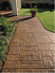 Exterior brick homes driveways ideas Front Walkway Landscaping, Driveway Paving, Concrete Driveways, Concrete Patio, Backyard Landscaping, Walkways, Patio Design, Garden Design, Patio Flooring