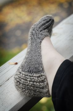 The first slipper is done. I predict it will be the first of many. I'm already plotting some tweaks!