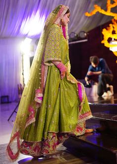 Bridal Mehndi Dresses, Walima Dress, Desi Wedding Dresses, Asian Bridal Dresses, Simple Pakistani Dresses, Bridal Outfits, Balochi Dress, Pakistani Fashion Party Wear, Pakistani Wedding Outfits