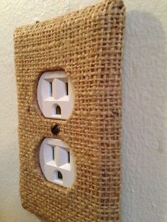 Try a BURLAP BACKSPLASH, along with Burlap Covered Outlet Covers. Question: can one apply a protective coating over the burlap material? Burlap Projects, Burlap Crafts, Home Projects, Country Decor, Rustic Decor, Modern Country, Diy Home, Home Decor, Tropical Bedrooms