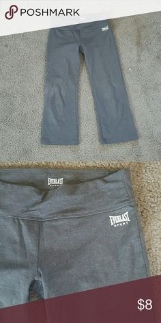 Everlast Workout Leggings Charcoal gray workout leggings from Everlast. Super comfortable, Capri style. Excellent condition. Everlast Pants Leggings