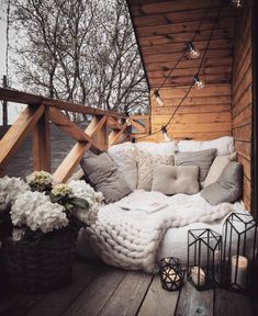 Best Home Decorating Ideas - Top Designer Decor - Balkon Ideen - Dekoration Outdoor Reading Nooks, Small Balcony Decor, Balcony Ideas, Balcony Garden, Garden Nook, Balcony Grill, Balcony Window, Bedroom Balcony, Balcony Plants