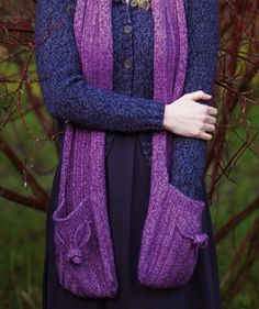 I might need to make this! Free knit pattern. Rose Hip Scarf