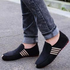 2019 New Spring Men Suede Leather Loafers Driving Shoes Moccasins Summer Fashion Men's Casual Shoes Flat Breathable Lazy Flats Mens Moccasins Loafers, Leather Loafers, Loafers Men, Leather Lace Up Boots, Leather Slip Ons, Suede Leather, Leather Jacket, Driving Moccasins, Driving Shoes