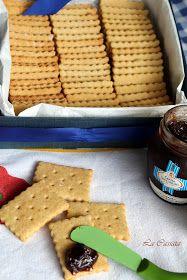 Biscotti secchi tipo oro saiwa