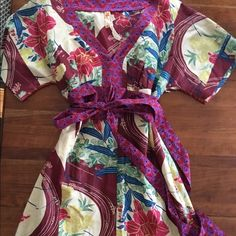 "Anthropologie Kimono Style Dress Dress comes with a full length slip and has a side zipper. The belt wraps around and ties in the front. Super cute for summer with sandals and fringe earrings. Hits me around my knee and I'm 5'8"". Anthropologie Dresses"