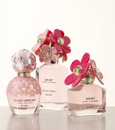 Time for a fresh new scent! Take cues from the spring season and opt for fresh and floral scents from the Marc Jacobs Daisy collection. We dare you to try and pick just one!