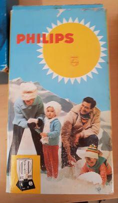 Retro ultraviolettivalaisin Retro Vintage, Cover, Books, Movie Posters, Art, Art Background, Libros, Book, Film Poster