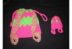 Bizzy Crochet: American Girl Backpack Pattern This site has many free patterns for 18 inch dolls. Crochet Doll Clothes, Girl Doll Clothes, Crochet Dolls, Girl Dolls, Crochet Bags, Boy Doll, Crochet Purses, Crocheted Toys, Ag Dolls