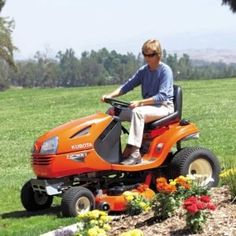 Here's the info need to know about lawn tractors, Rear-engine riding mowers and garden tractors. Rider, Lawn Tractor, Garden Tractor: What's the Difference? Reseeding Lawn, Paver Path, Flagstone Patio, Backyard Patio, Log Planter, Lawn Care Business, Growing Grass, Weeds In Lawn, Lawn Sprinklers