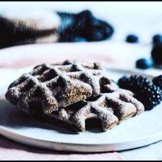A uz jen zbyva dodat, ze jsem z makoveho testa zkousela i vafle a vse funguje, jak ma.  tak brzy na blogu #kitchenettecz #kitchenettehome #poppyseeds #poppyseedswaffles #waffles #cinemagraph
