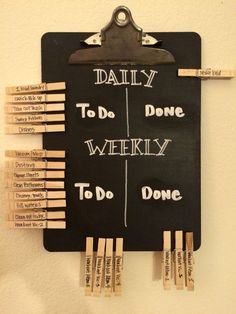 Even grown ups need a chore chart! Daily and weekly chalkboard chore chart for m., Even grown ups need a chore chart! Daily and weekly chalkboard chore chart for married couples. DIY with chalkboard paint and pens, an old clipboard, . Diy Tableau Noir, Diy Chalkboard, Chalkboard Drawings, Chalkboard Lettering, Easy Home Decor, Diy Room Decor For Teens Easy, Room Ideas For Teen Girls Diy, Bedroom Ideas For Couples, Diy Room Decor For College
