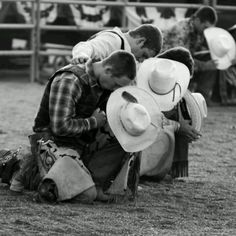 10 Most Inspiring Country boys Ideas his life was cut short but he achieved the highest glory in rodeo.the buckle of a World Champion Lane Frost a legendary bull rider Lane Frost Rodeo Legend R. you will never be forgotten! Cow Boys, Cow Girl, Country Boys, Country Life, Country Music, American Country, Country Style, Men's Style, Cowboys And Angels