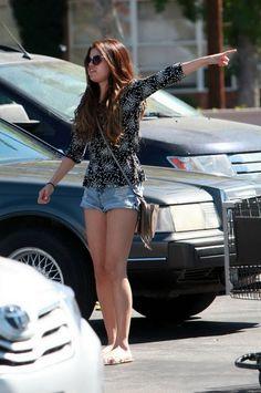 Selena Gomez - Candids in Encino