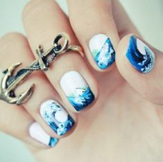 These ocean nails are the perfect way to celebrate Summer.