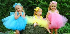 I wonder what the little girl in yellow is thinking? Caption contest!!!