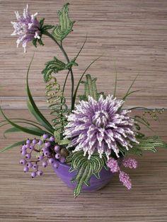 Arranjos decorativos de flores de miçangas