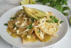 Mexican Chilaquiles are tortilla chips packed with flavor - a lighter alternative to nachos Easy Chilaquiles Recipe, Chicken Chilaquiles, Chicken Enchiladas, Guacamole Recipe Easy, Fresh Guacamole, Mexican Food Recipes, Ethnic Recipes, Dinner Recipes, Easy Meals For Two