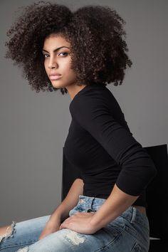 samiorenelda:  A natural shoot I did with Photographer Rianna Tamara. http://www.shorthaircutsforblackwomen.com/natural-hair-products/