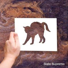 Slate Supremo es de esas líneas que te hacen jugar con tu imaginación.  #CeramicTile #Architecture #Interiorismo #Tileaddiction #Tiles #InterceramicMX #Miércoles #Deseos #Animals #Floors #Cats #gato by interceramicmx