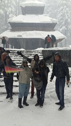 9.9 SoC is spending the weekend on a trip to Manali. Here, some AJMC and DMC students and Video Editing course faculty, Amey Polekar, from ICFJ, are shown at 500-year-old Hadimba Temple. With all the snowfall this weekend, it's a great place to practise filming and photography.   #SOC #SchoolofCommunication #MediaColleges