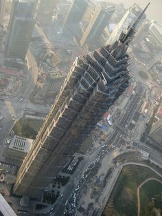 16° –  Jin Mao Tower - 421 m