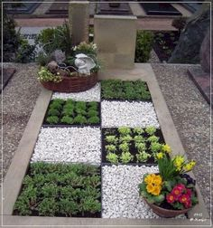 Garden Landscaping 100 Beautiful DIY Pots And Container Gardening Ideas - 100 Beautiful DIY Pots And Container Gardening Ideas Gravel Garden, Garden Pots, Balcony Garden, Concrete Garden, Garden Edging, Garden Bed, Edible Garden, Herb Garden, Pot Jardin