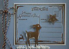 In dit blogbericht zie je 4 blauwe kaarten. Er is gestempeld met bruine inkt en er zijn accenten getekend met witte gelpen.