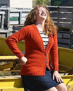 Ravelry: Shapely Boyfriend pattern by Stefanie Japel.