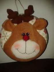 Resultado de imagen para mogollas navideñas moldes Christmas Sewing, Felt Christmas, Christmas Balls, Christmas Crafts, Christmas Decorations, Christmas Ornaments, Holiday Decor, Christmas Ideas, Felt Crafts