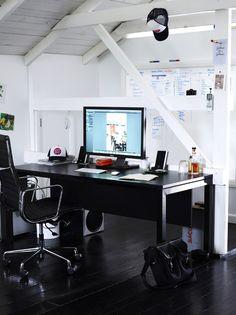 Superior Source: The Design Files Tidy Contemporary Man Office. Impressive!