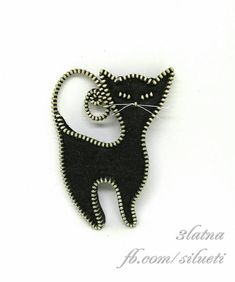 Lucky black cat - zipper and felt brooch with a safety pin. Dimensions: 7cm/9cm(~3/3,5)