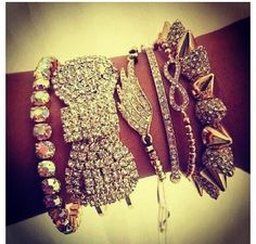 WOW…….I would add 1 more thing to this though……MORE SPARKLES!!!! A GIRL CAN NEVER HAVE ENOUGH SPARKLES!!!!