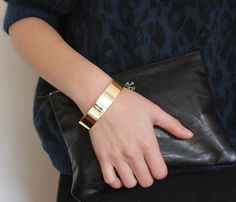 Minimal Gold Metal Cuff...like the clutch,also