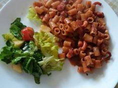 Χταπόδι ή μοσχιοί με κοφτό μακαρονάκι Cabbage, Meat, Chicken, Vegetables, Food, Essen, Cabbages, Vegetable Recipes, Meals