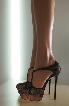 lace stiletos. love.