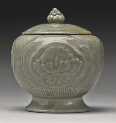 A 'Yueyao' jar and cover, Northern Song Dynasty. Ceramic Pots, Ceramic Clay, Porcelain Ceramics, Ceramic Pottery, Celadon, Wheel Thrown Pottery, China Art, Chinese Ceramics, Objet D'art