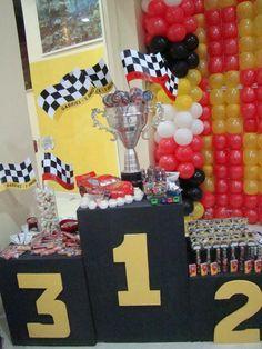 Festas Infantis Personalizadas -  Endereço: Rua 89, esq com 89A, n. 171 - St.Sul (próximo ao Lancaster) - 062 3093-2280