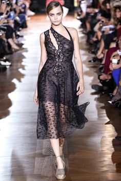 Celebrities who wear, use, or own Stella McCartney Spring 2014 RTW Lace Dress. Also discover the movies, TV shows, and events associated with Stella McCartney Spring 2014 RTW Lace Dress. Stella Mccartney, Fashion Week Paris, Runway Fashion, Cara Delevingne Photos, Love Fashion, Fashion Show, Fashion Design, Dress Fashion, Fashion Beauty