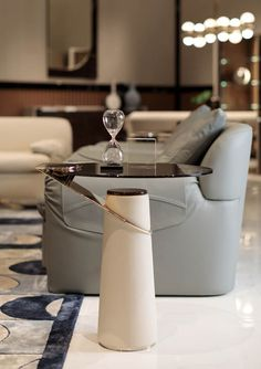 Turri - Contemporary Italian Furniture for exclusive and modern design Luxury Chandelier, Luxury Lighting, Luxury Home Decor, Luxury Interior, Luxury Homes, Lobby Interior, Apartment Interior, Interior Architecture, Luxury Home Furniture