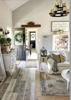 33 Farmhouse Living Room Flooring Ideas (10 Coffee Table Decor Living Room, Decorating Coffee Tables, Cool Coffee Tables, Coffe Table, Living Room Decor, Rustic Wooden Coffee Table, Tv Decor, Boxwood Wreath, Modern Farmhouse