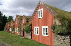 Icelandic turf houses are old-school green with a Viking twist (photos) http://www.treehugger.com/slideshows/green-architecture/8-icelandic-turf-houses-old-school-green-Viking-twist/page/9/