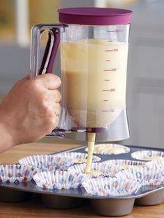 Cake Batter Dispenser with Measuring Label - makes cookies, cupcakes, and muffins super easy to make!#KITCHEN GADGETS#