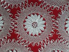İğne oyası Needle Lace, Needle And Thread, Tatting Patterns, Hobbies And Crafts, Diy And Crafts, Point Lace, Needlepoint, Model, Rugs