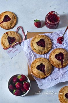 Buttery and flaky Whole wheat Strawberry Hand Pies Bourbon Biscuit Recipes, Bourbon Biscuits, Cream Biscuits, Strawberry Hand Pies, Healthy Cake, Healthy Cookies, My Recipes, Dessert Recipes, Desert Recipes