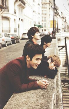 Suju ~ Siwonnie~ ♥ But Yesung in glasses... I think someone needs help raising their turtlesssss~~~ ;D