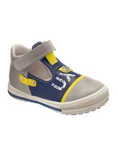 Wunderschöne Schuhe für Baby`s Füßchen.